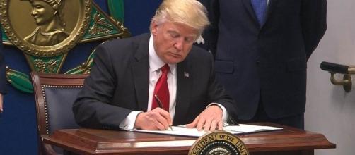 Trump Signs Order Suspending Admission of Syrian Refugees - NBC News - nbcnews.com