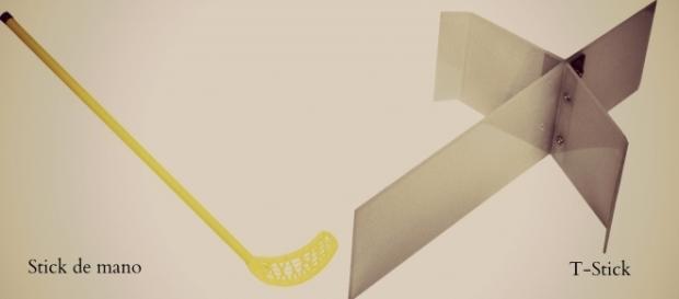 A la izquierda, el conocido stick de mano de hockey. A la derecha, el stick de silla denominado T-Stick por su forma.