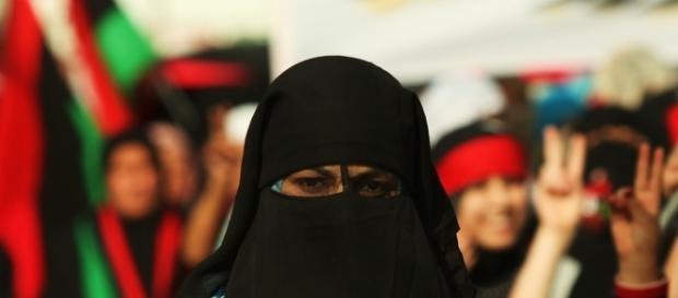 Germania, il Ministro degli Interni vieta il velo islamico nel ... - letteradonna.it