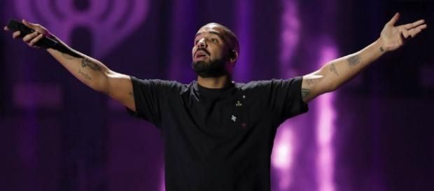 Hip-hop star Drake will help the NBA announce this year's MVP Award winner in June. [Image via Blasting News image library/inquisitr.com]