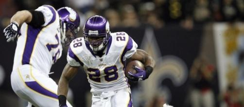 Adrian Peterson signs 2 year deal with the New Orleans Saints, Tuesday April 25,2017