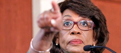 Maxine Waters had her microphone turned off at California Democratic convention on Saturday.