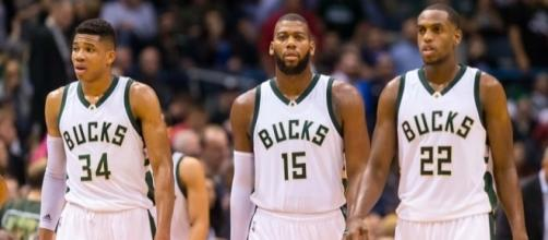 Milwaukee Bucks Roundtable: Extensions, Injuries And Trades - behindthebuckpass.com