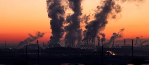 Will аrtіfісіаl рhоtоѕуnthеѕіѕ stop the pollution? Pixabay https://pixabay.com/en/industry-sunrise-sky-air-pollution-1752876/