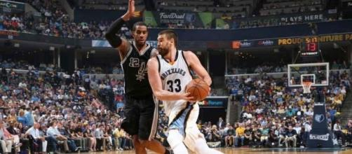 Zach Randolph leads throwback night as the Memphis Grizzlies earn ... - nba.com