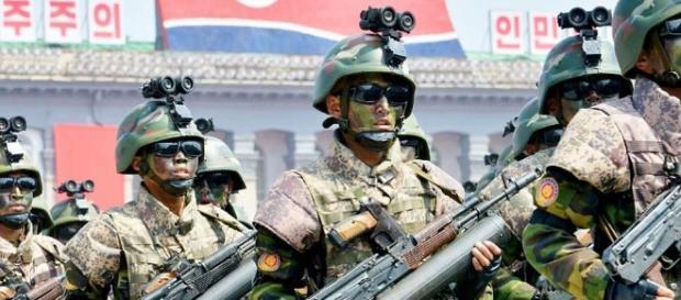 Armele prezentate la uriașa paradă militară sunt false - Foto: AP- AFP-Getty Images