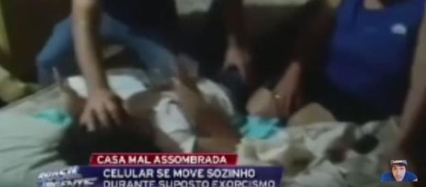 Médium tenta exorcisar adolescente (Band)