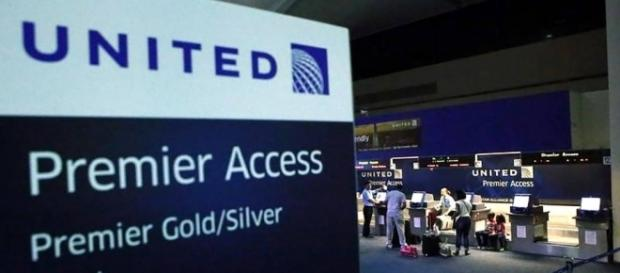 United will offer passengers up to $10,000 to surrender seats ... - reviewjournal.com