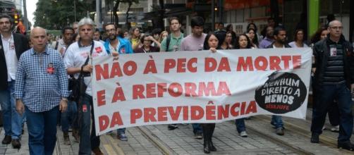 Na parte da tarde, manifestantes fizeram passeata e atos no Centro do Rio (Tomaz Silva/Agência Brasil)