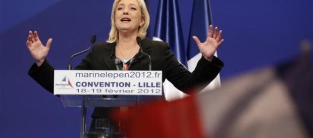 Marine Le Pen va mettre fin au suspense sur ses signatures - bfmtv.com