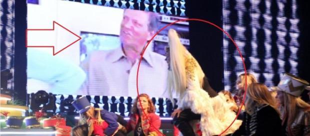Xuxa abandoa palco ao ver vídeo do pai
