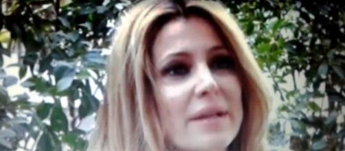 Adriana Volpe durante l'intervista a Le Iene