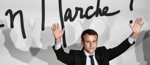 Brillant, énarque, banquier. Macron fait des jaloux car on n'aime pas la réussite pour les autres en France.