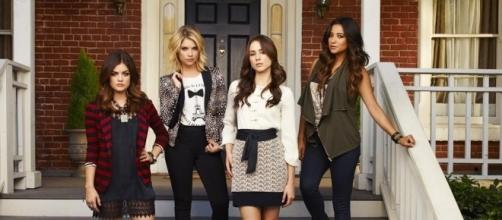 Do you know all the 'Pretty Little Liars' book to show differences? [Image via Freeform]