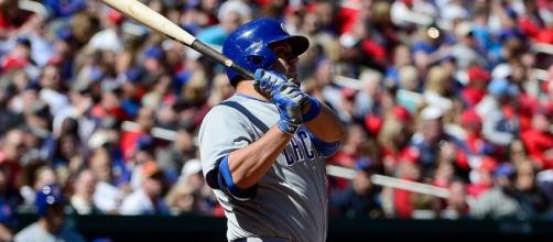Kyle Schwarber dio el HR clave para la victoria de los Cubs. BleedCubbieBlue.com