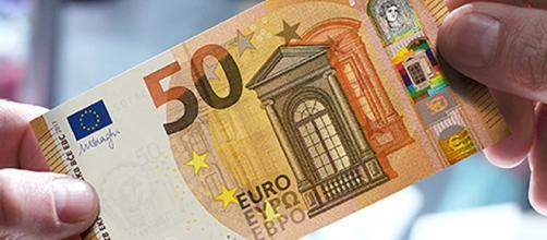 La banconota da 50 euro cambia faccia.