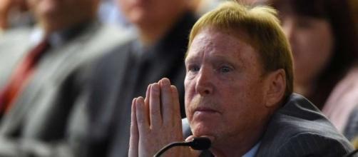 Photo of Mark Davis, owner of the Oakland Raiders - ramsfansunited.com