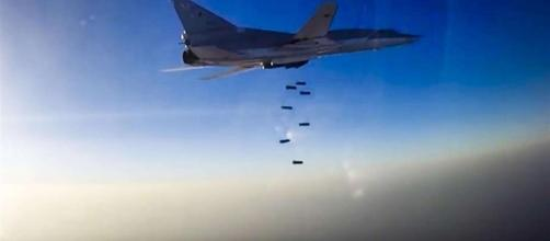 sotto le bombe, è strage. Continui raid aerei in Siria