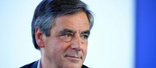 """Un François Fillon sûr de lui car il estime, comme de Gaulle, que """"les Français sont des veaux sous la mère"""""""