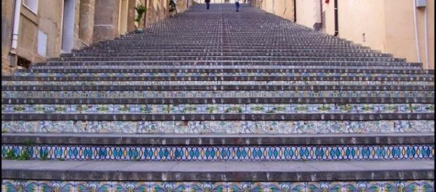 neverending stairs, a photo from Catania, Sicily | TrekEarth - trekearth.com