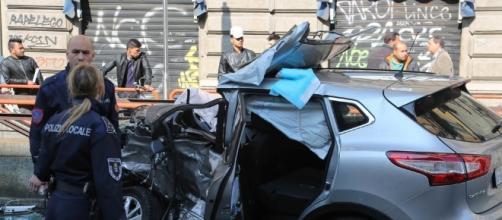 La Nissan Quashquai della vittima completamente distrutta