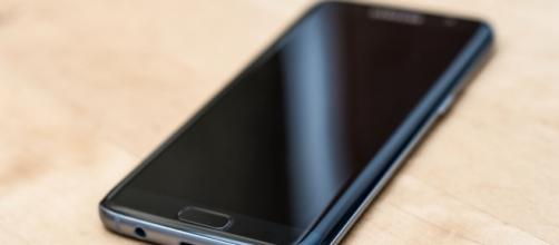 Samsung Galaxy S8: Release Date Of Samsung's New Flagship Moved To ... - inquisitr.com