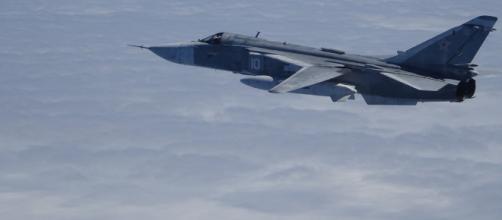 """Sukhoy SU-24 """"Fencer"""" primer avión interceptado por los F-18 del Destacamento Ambar."""