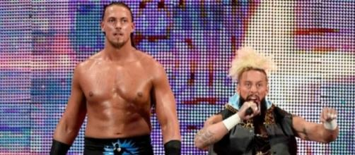 The team of Enzo and Big Cass will compete on the WWE 'Payback' 2017 pre-show. [Image via Blasting News image library/usatoday.com]