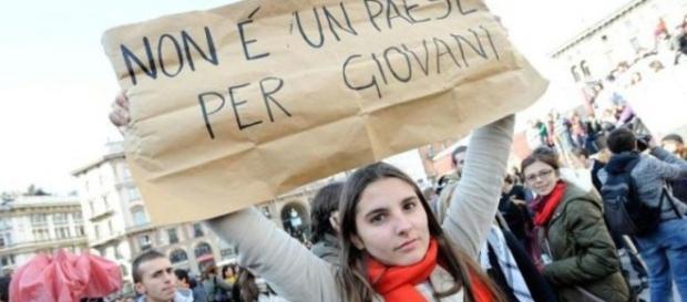 """Giovani senza lavoro, l'Istat: """"Solo la Grecia peggio dell'Italia"""" - leggo.it"""