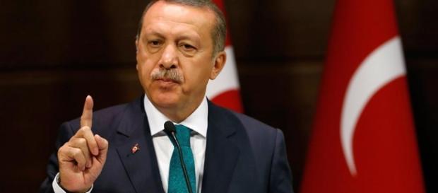 Presidente Erdogan busca coagir o apoio dos EUA a seus aliados na Síria