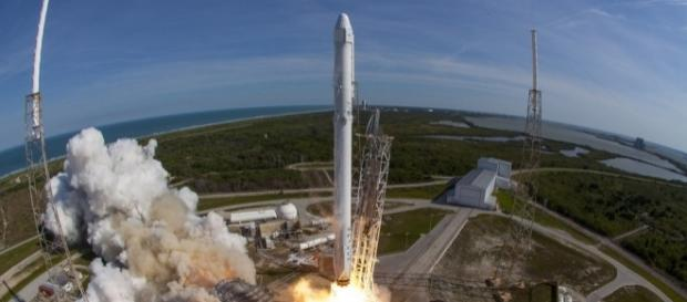to launch a rocket into space... and then land it on a ship at sea - phys.org