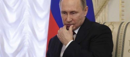 Blast on Russian subway kills 10, injures 50; 2nd bomb found ... - timesunion.com