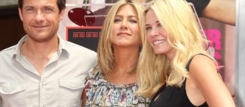 Jennifer Aniston's BFF defends her after name is dragged in Brangelina split. (via Blasting News library)