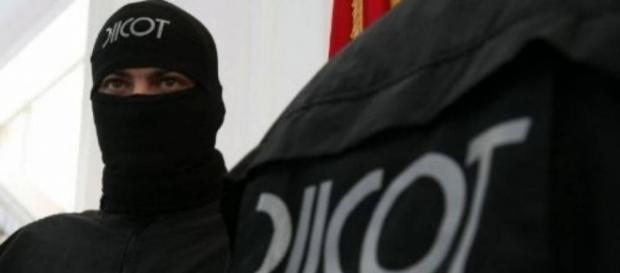 Doi indivizi arestați în România pentru terorism
