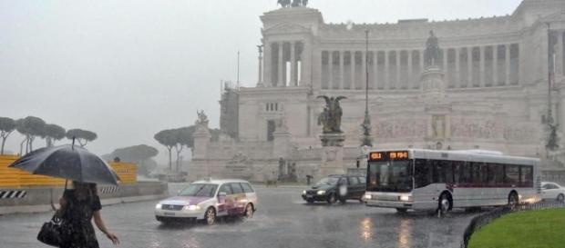 Maltempo, la pioggia su Roma provoca disagi