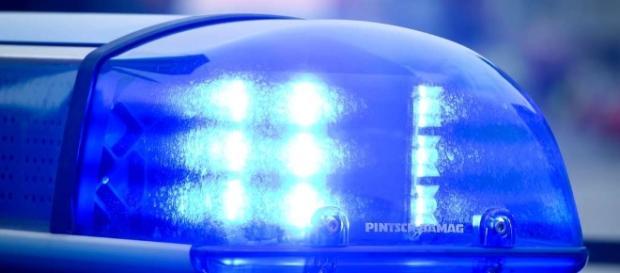 Mann fährt mit einem unechten Blaulicht durch Lübbecke und wird ... - kreiszeitung.de