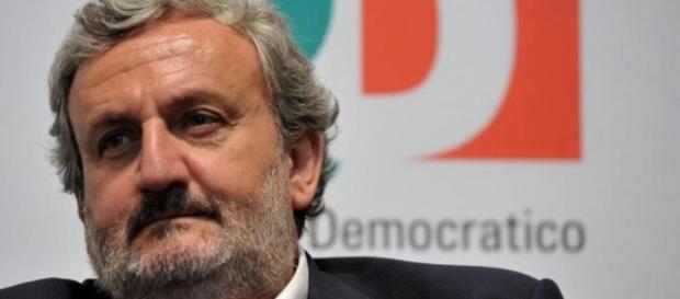 Michele Emiliano, candidato alla guida del Pd sotto la lente del Csm