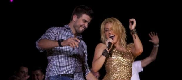 Piqué le dio un tortazo en la cara a Shakira (+VIDEO) - com.ve