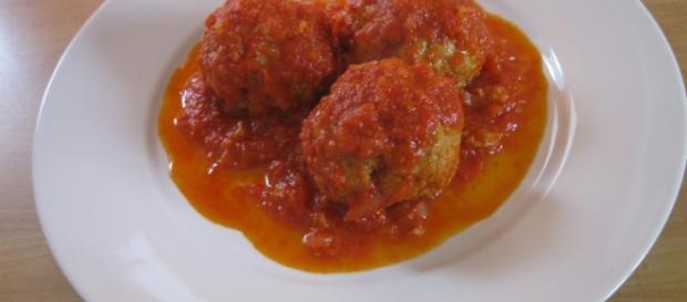 Ricetta Polpette di carne al sugo, calorie e valori nutrizionali - ricette-calorie.com