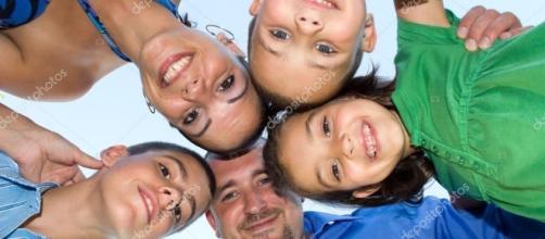 Feliz reunión familiar — Fotos de Stock © ArenaCreative #8788635 - depositphotos.com