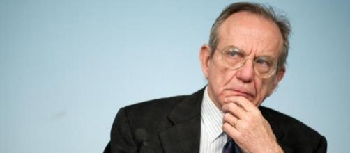Il titolare del dicastero dell'Economia, Piercarlo Padoan