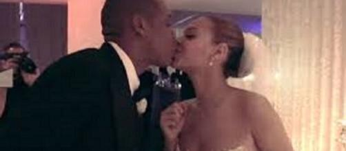 Jay and Bey rare wedding picture - Tina Lawson