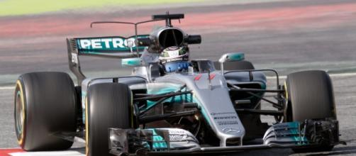 Mercedes quiere volver a la senda de la victoria