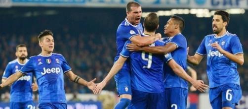 Napoli-Juve, Higuain e il primo gol al San Paolo da ex