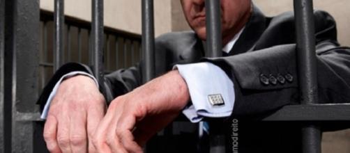 O advogado de Vitória da Conquista foi preso nesta terça-feira (4) acusado de estuprar as duas filhas, de 11 e 12 anos