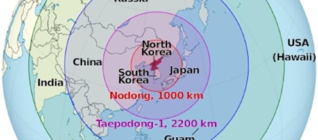 Raketenreichweiten Nordkorea / Bildquelle: CC BY-SA 3.0 North Korea on the globe (Japan centered).svg