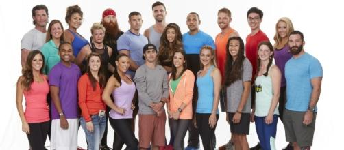 """""""Amazing Race"""" cancellation rumors sparked when season 29's rating dropped tremendously. (via Blasting News library)"""