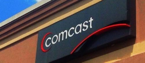 Comcast Sign, Flickr, Mike Mozart (CC BY 2.0) https://www.flickr.com/photos/jeepersmedia/14615930366/