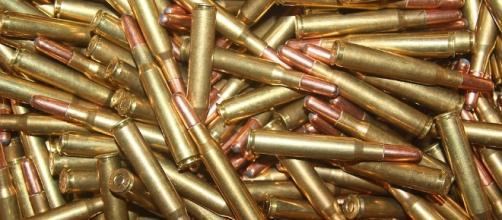 I terroristi dell'ETA hanno consegnato armi e munizioni allo Stato