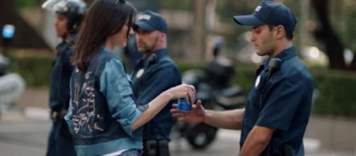 Pepsi, spot ritirato: beffeggia gli eventi pro diritti civili